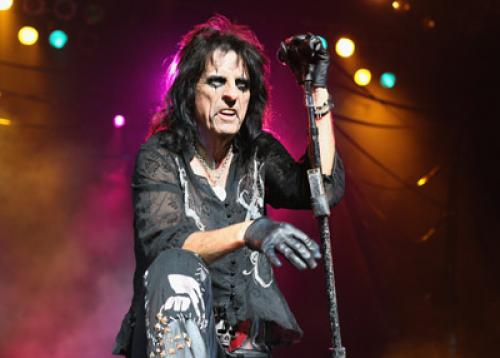 Horizontal Alice Cooper