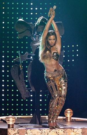 Vertical Beyonce
